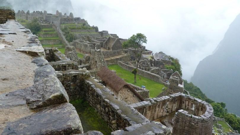 Machu Picchu temple soleil