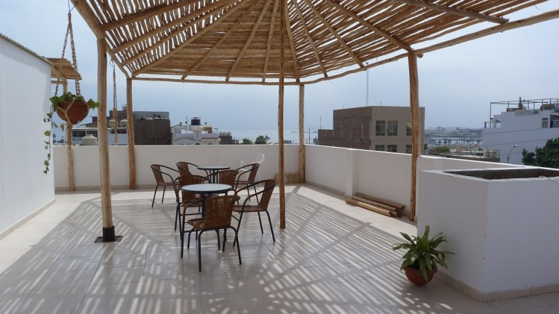 Terrasse backpacker house paracas