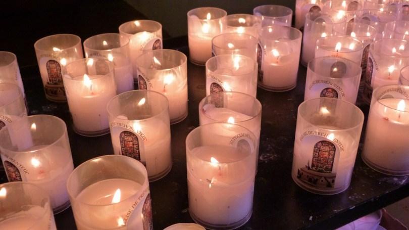 broceliande eglise graal trehorenteuc bougies