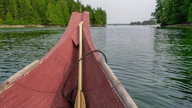 Tofino-canoe-indien