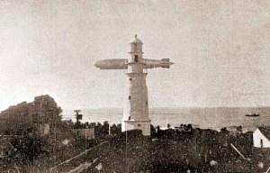 Graf Zeppelin sobrevoando o farol em 1934