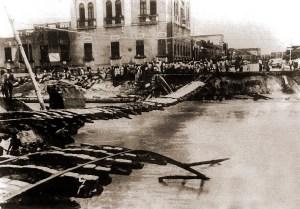 Ponte do Salgadinho na Av da Paz destruída pela tromba d'água de 1949