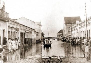 Rua Sá e Albuquerque na cheia de 1924