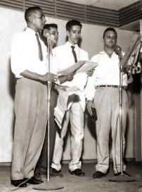 1961 na Rádio Gazeta de Alagoas, o programa Tele Noite apresentado por Arnoldo Chagas, Cláudio Alencar, Luiz Tojal e Roland Benamor