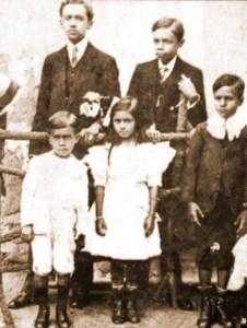 Jorge de LIma entre seus irmãos Matheus, Araci, Edmundo e Hildebrando