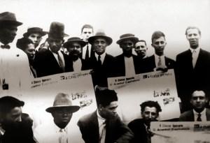 Octávio Brandão, em pé, o segundo da direita para a esquerda, funda o jornal A Classe Operária, do PCB, em 1925