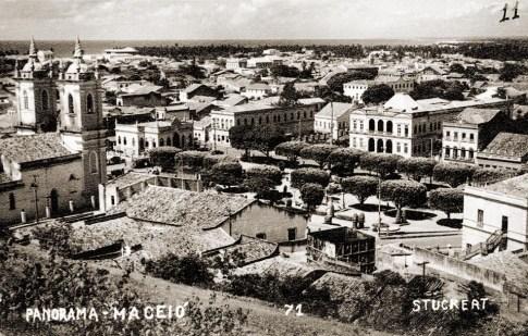 Vista panorâmica da Praça D. Pedro II