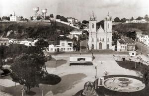 Praça dos Martírios durante a reforma de 1963