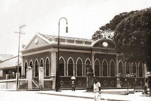 Segunda sede do Tribunal de Justiça, na Praça Deodoro, onde funcionou a Escola D. Pedro II e hoje está instala da Academia Alagoana de Letras