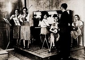 Conjunto musical feminino que fez apresentação no Instituto Histórico durante o Centenário de 1939
