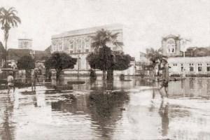 Praça Dois Leões na cheia de 1924