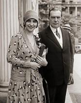 Miss Brasil, Olga Bergamini de Sá, ao lado do Embaixador do Brasil nos Estados Unidos, Sr. Sylvio Gurgel do Amaral. Fonte: Museu Histórico Nacional