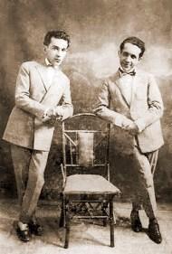 Ezechias da Rocha, à esquerda, e o poeta sergipano Hermes Fontes