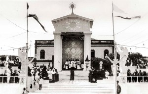 Primeiro Congresso Eucarístico Provincial de Ação Católica em Maceió reuniu-se na Praça da Faculdade. Foto do acervo da Cúria Metropolitana da Arquidiocese de Maceió