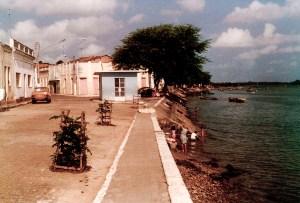 Beira do rio em Piaçabuçu, Alagoas