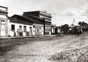 Rua do Aterro, atual Barão de Anadia e a Estação Central