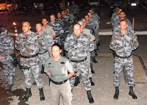 Tenente Danilva, à frente de grupamento durante instruções do III ENOR, em Arapiraca