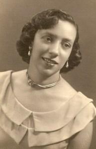 Anilda Leão estudou música, declamação, oratória, dicção, canto oral e lírico no então Conservatório Alagoano de Música