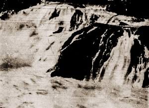 Local da queda de Élio Lemos na Cachoeira de Paulo Afonso.O Mundo Ilustrado, Ano II, Nº 92, 03.11.1954, p. 30.