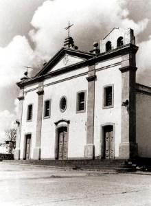 A primeira capela em homenagem a Nossa Senhora das Brotas foi construída por Domingos Jorge Velho