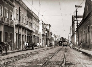 A Rua Sá e Albuquerque sempre foi o principal logradouro de Jaraguá