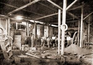 Interior da Fundição Alagoana em 1921, na Rua Barão de Jaraguá