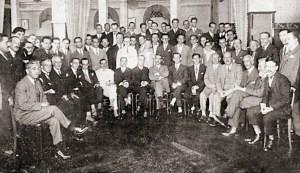 Homenagem de seus amigos ao Dr. Sampaio Dória por ocasião da sua nomeação para a Faculdade de Direito de São Paulo. Foto FonFon, 5 de fevereiro de 1927