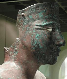 Estado actual de una estatua de cobre que representa al rey Pepy I, de la VI dinastía