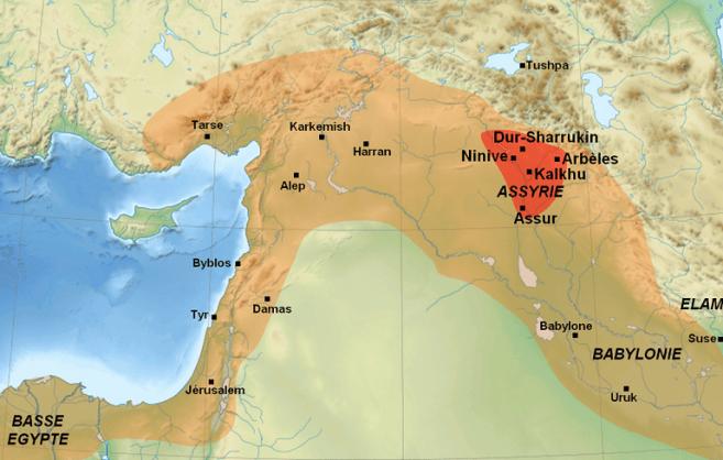 Mapa que muestra en color rojo la extensión original de Asiria y su máxima expansión cuando conquista Egipto