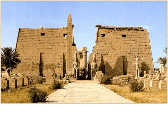 Templo de Karnak dedicado al dios Amón-Ra, muestra de la adoración al sol