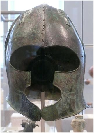 Yelmo de bronce cretense del siglo VII a.C.