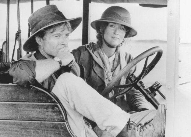 Meryl Streep y Robert Redford en sus personajes de la película