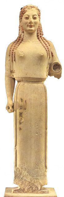 Estatua Kore arcaica de finales del siglo VI a.C.