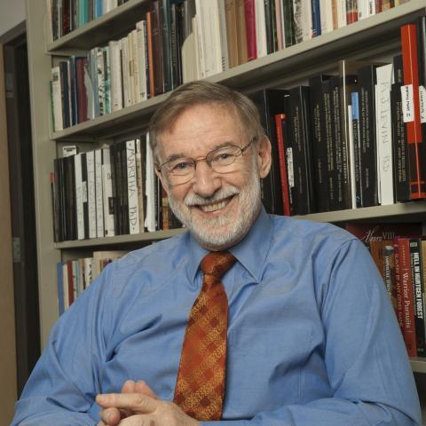"""Geoffrey Parker, autor de """"Historia de la guerra"""""""