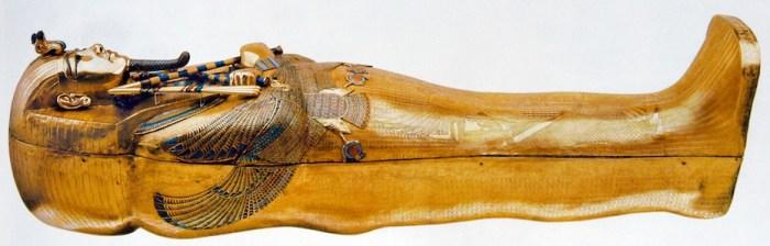 Sarcófago interior de Tutankhamón, en donde finalmente estaba la momia