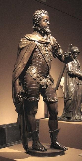 Estatua de Felipe II hecha por Pompeo Leoni