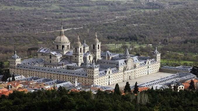 Vista desde el aire del Monasterio de San Lorenzo de El Escorial
