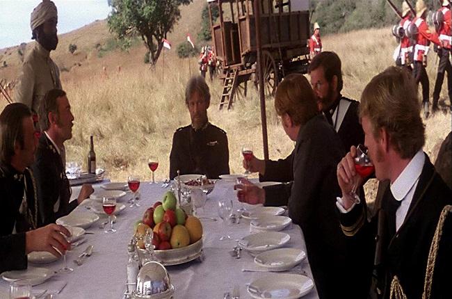 Escena de comida de los protagonistas en Amanecer Zulú