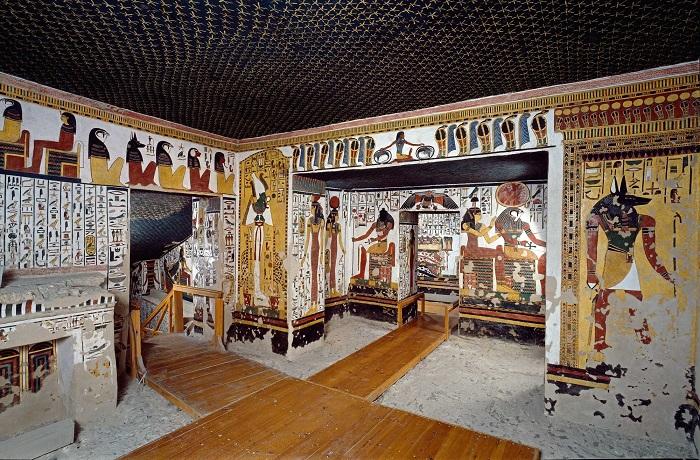 Antecámara de la tumba de Nefertari