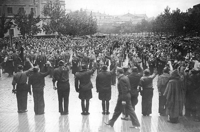 Miembros de Falange Española en Zaragoza en 1936, año de inicio de la guerra civil
