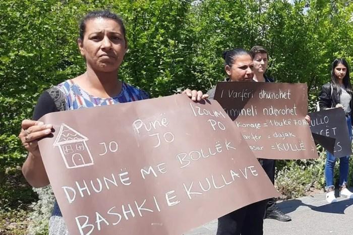 I varfëri dhunohet, Krimineli nderohet/ Protestë para Bashkisë kundër dhunës ndaj të varfërve!