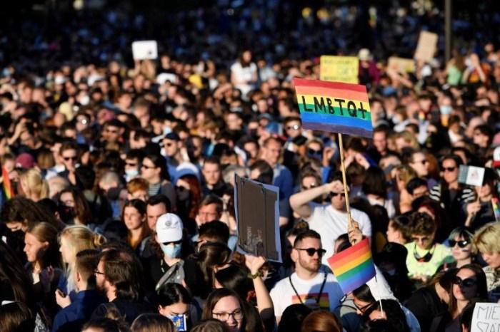 Shqetësuese/ Hungaria miraton ligjin anti-LGBT