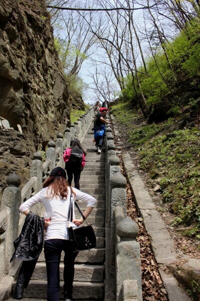 wudang-shan-escaleras