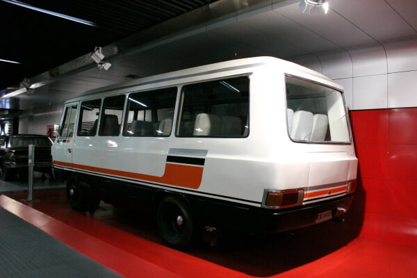 micro-bus-chino-1