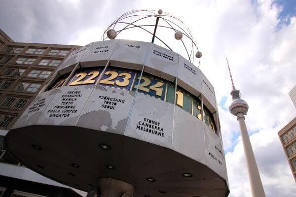 reloj-mundial-alexanderplatz-1