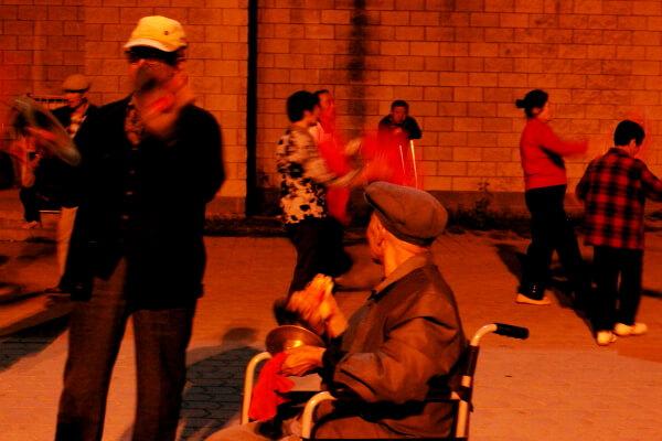 Los jubilados chinos y sus ganas de jarana