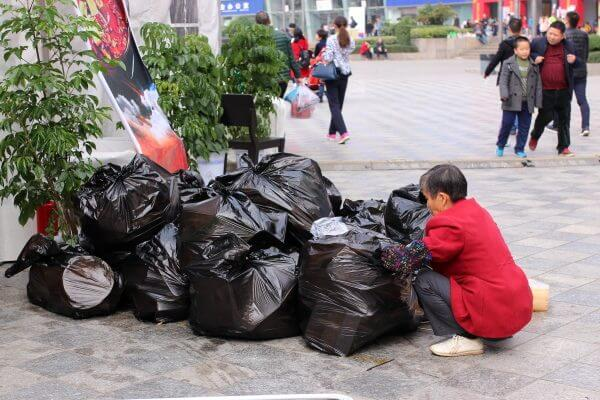 basura-feria-china-1