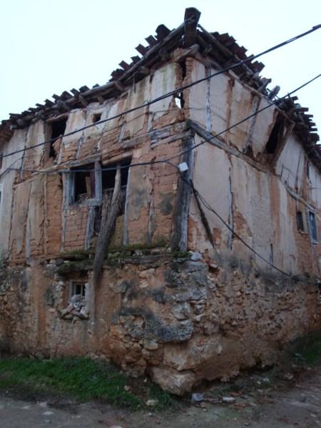 Una de las casas de Castroceniza