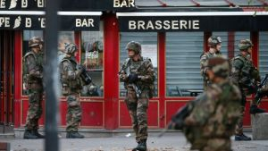 soldados-saint-denis-paris-francia_863623715_1954619_1020x574
