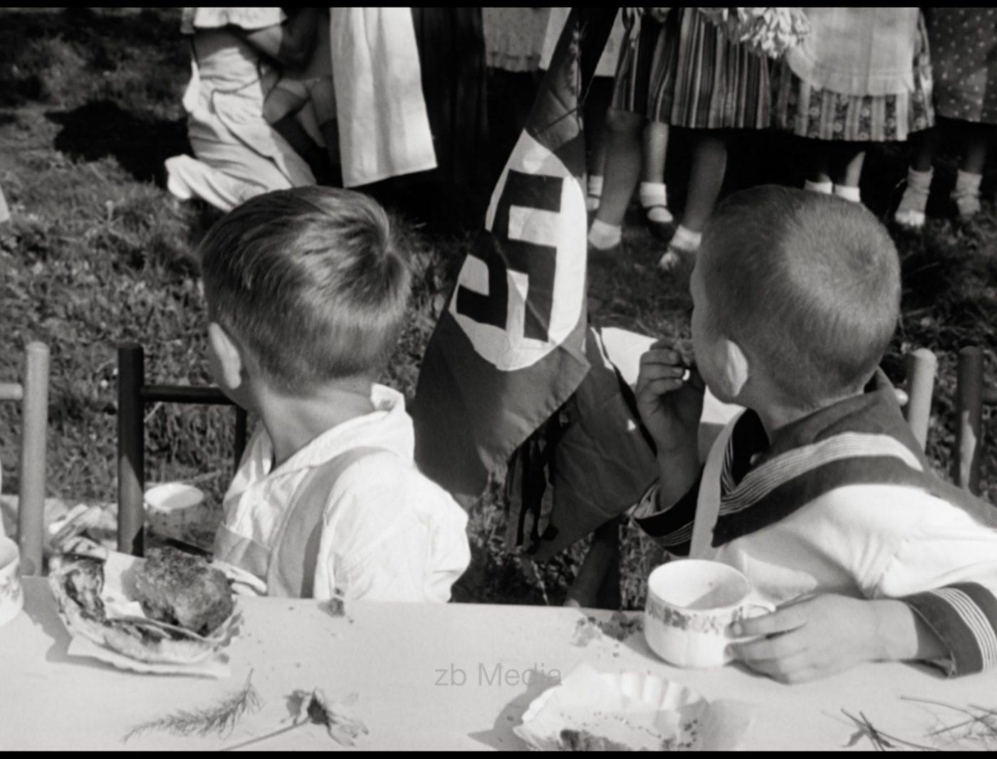 Kinderfest in Weimar 1937